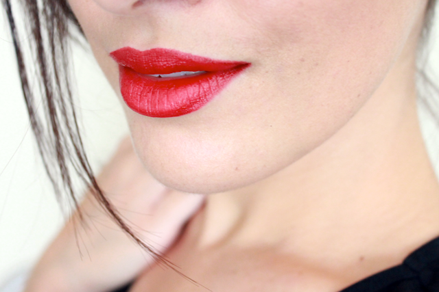 Strike It Up Ilia Beauty Lipstick Review Swatches