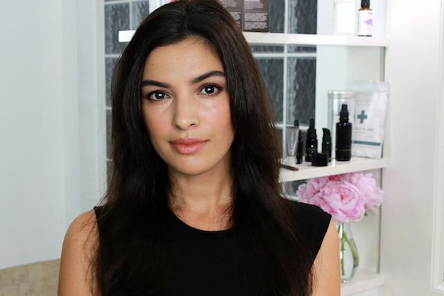 Dafni Brush Hot Brush Hair Straightener Review